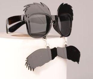 okulary z wąsami